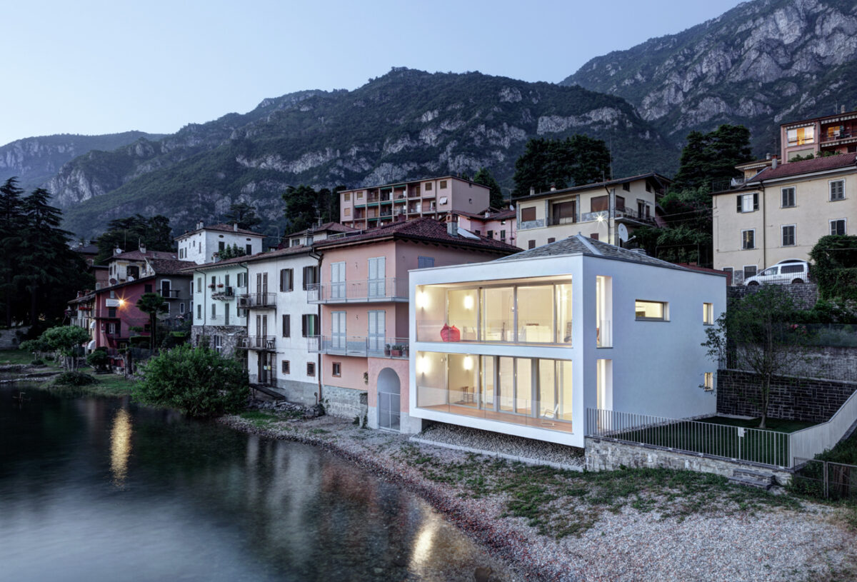 Villa sul lago