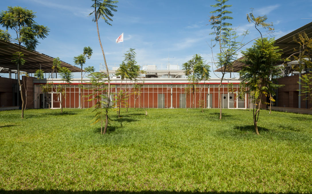 Children's Surgical Hospital in Entebbe di Emergency